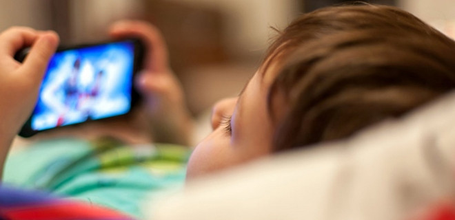 'Çocuğa çok küçük yaşta telefon, tablet almayın'