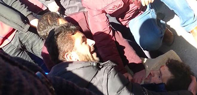 Uşak'ta pazar yerinde çakmak yüzünden silahlı kavga çıktı: 2 ölü