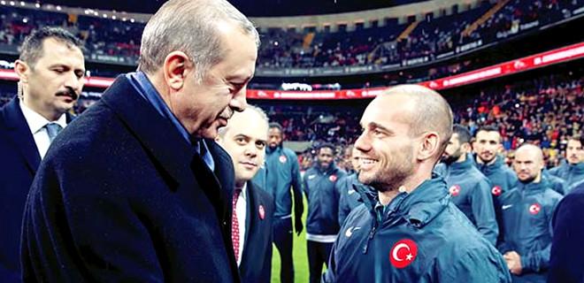 Sneijder: Türkiye-Hollanda krizde diye ben takımdan asla ayrılmam