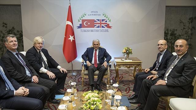 Başbakan Yıldırım'ın İngiltere Dışişleri Bakanı Johnson ile görüştü