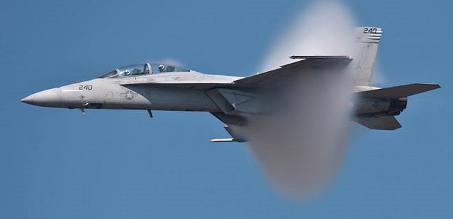 ABD savaş uçağı düştü...
