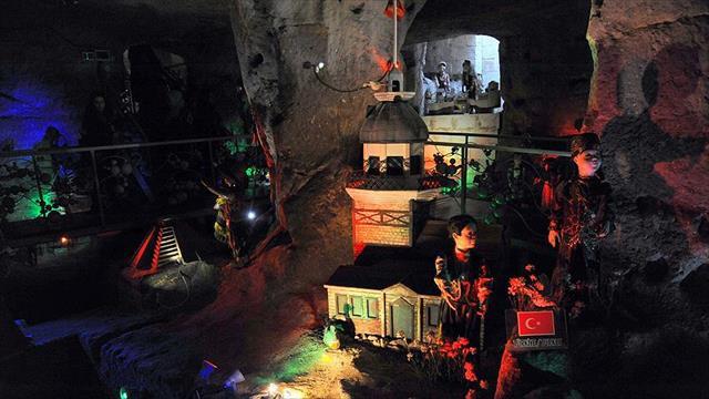 Çocuklara 'dünyayı tanıtan' mağara
