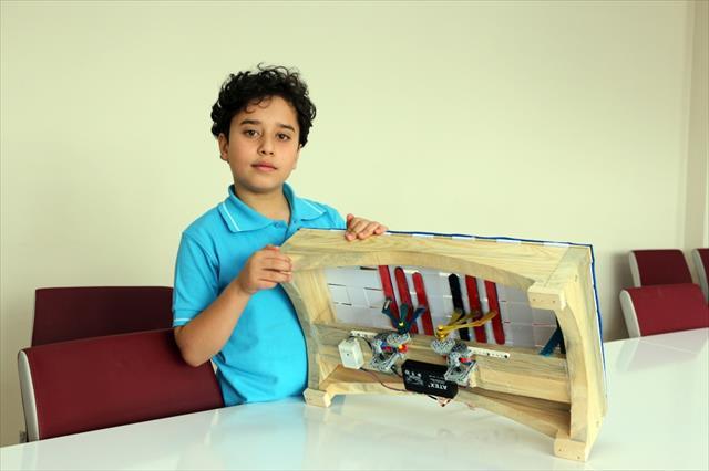 Çocuklar oyun oynayarak enerji üretiyor