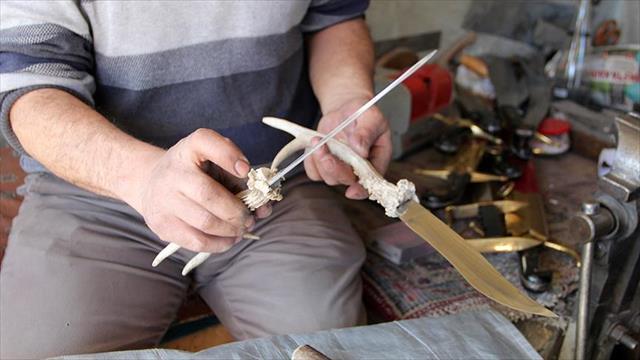 Geyik ve karaca boynuzundan bıçak sapı