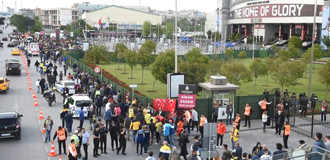 Euroleague'de sahte bilet skandalı saşandı