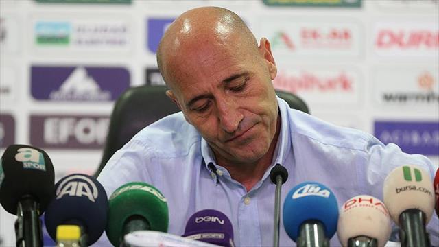Bursaspor Teknik Direktörü Adnan Örnek istifa etti