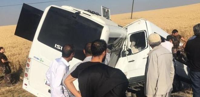 Polis midibüsü ve sivil araç çarpıştı