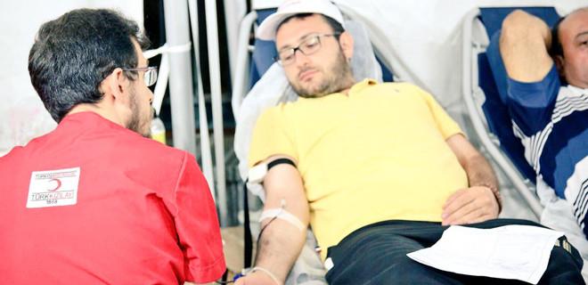 Demokrasi nöbetlerinde 27 bin ünite kan bağışı yapıldı