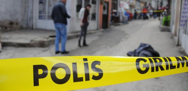 Kağıthane'de bir kişi eşiyle ilişki yaşayan ortağını öldürdü