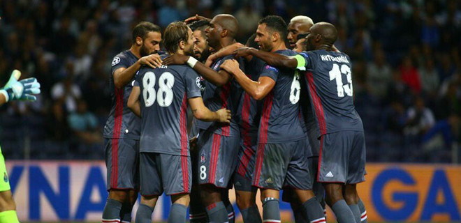 Beşiktaş deplasmanda Porto'ya 3 attı
