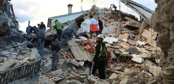İtalya'da deprem yardımları tartışması