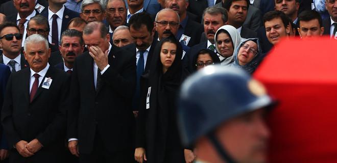 Erdoğan gözyaşlarını tutamadı!