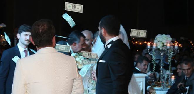 Ünlü türkücünün kızı evlendi!