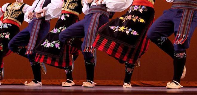 İltica eden Türk folklorcüler için Interpol devrede