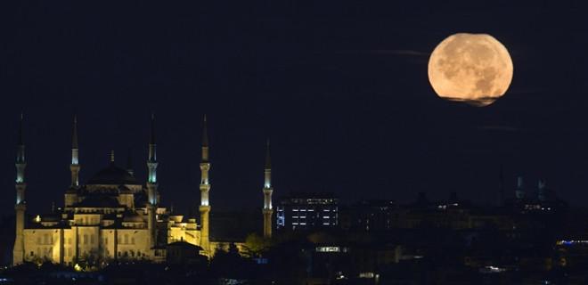 İstanbul ayışığında bir başka güzel