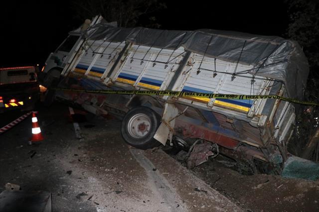 Nevşehir'de katliam gibi kaza: 5 ölü, 4 yaralı