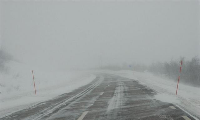 Rusya'da kış hayatı durma noktasına getirdi