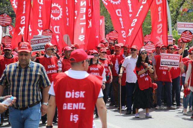 1 Mayısta işçiler meydanlarda buluştu
