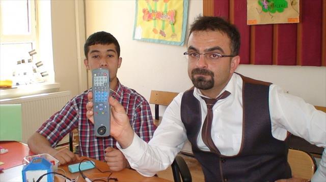 Türk matematikçi en küçük şarj aletini yaptı