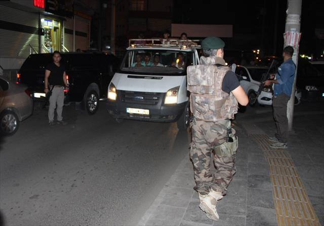 Diyarbakır'da 500 polisle dev operasyon