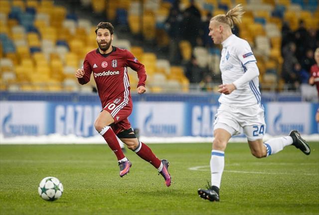 İlk yarıda 4 gol, 1 penaltı, 1 kırmızı