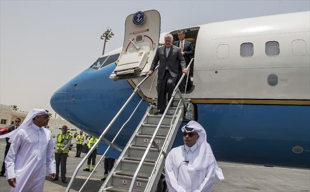 Tillerson, Katar Emiri Thani ile görüştü