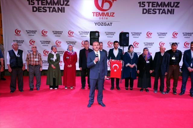 Şehit yakınları Erdoğan'a Türk bayrağı gönderdi