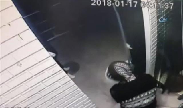 Kepengi açamayınca dükkana araçla girmeye çalıştılar