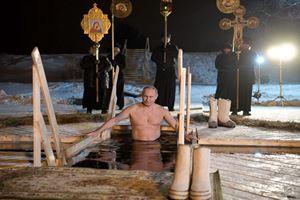 Putin buz gibi suda vaftiz oldu! Turp gibiyim mesajı