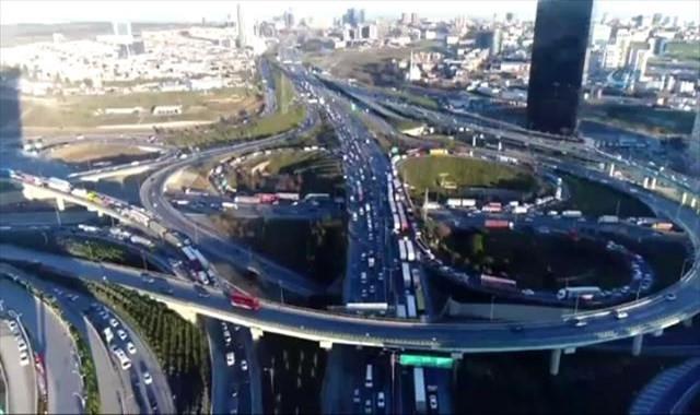 İstanbul'da karne trafiği havadan görüntülendi