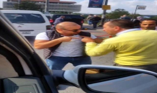UBER şoförüyle taksici birbirine girdi