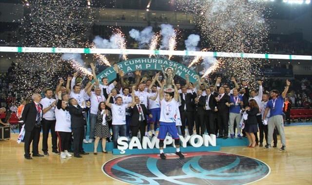 Cumhurbaşkanlığı Kupası 11. kez Anadolu Efes'in