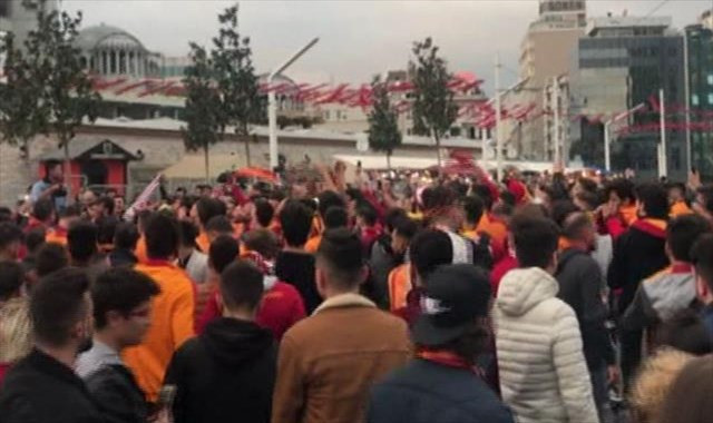 Taksimde derbi coşkusu