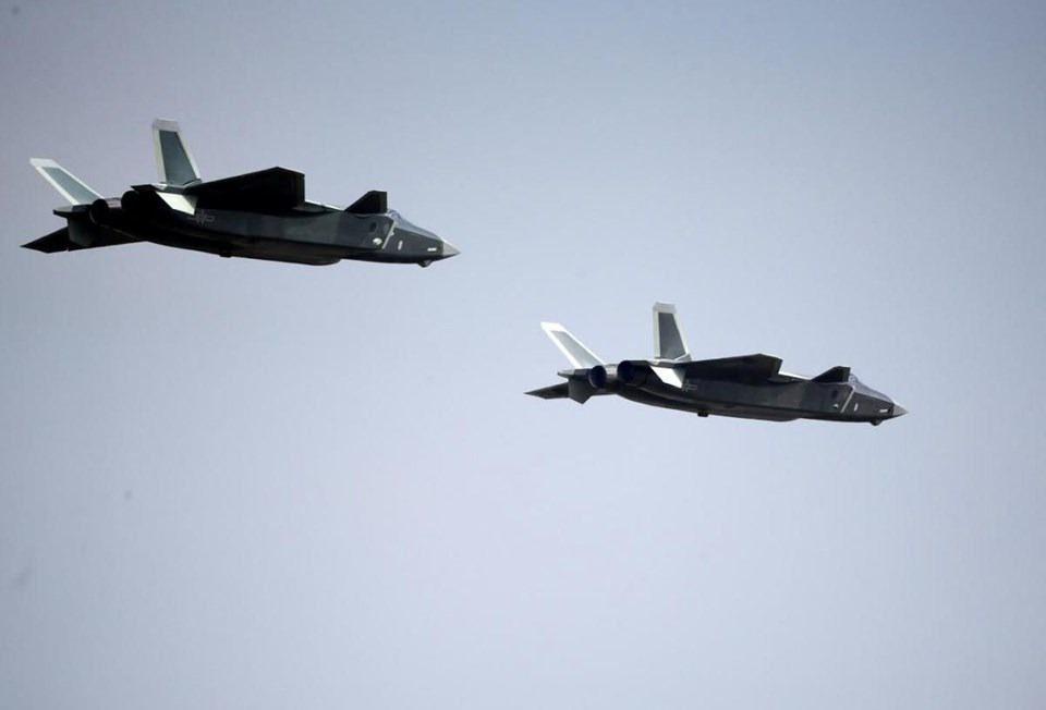 Çin 'hayalet uçağı' ile gövde gösterisi yaptı 3.resim