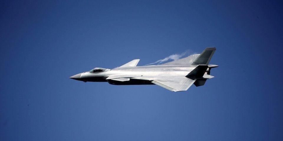 Çin 'hayalet uçağı' ile gövde gösterisi yaptı 4.resim