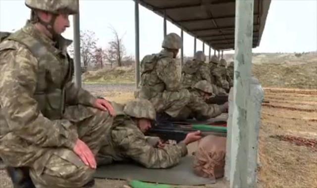 İşte bedelli askerlerin eğitimi