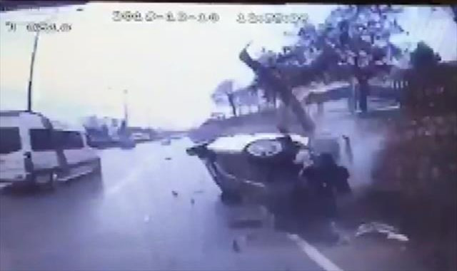 Feci kaza güvenlik kamerasında