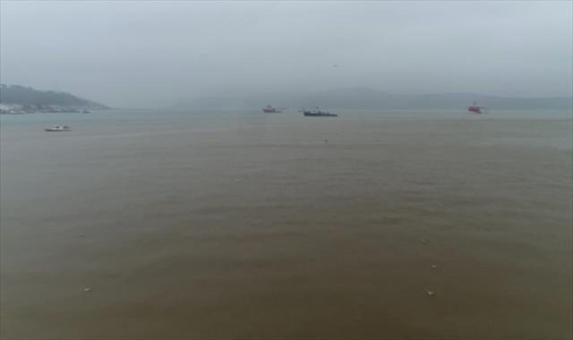 Çamur akan İstanbul Boğazı havadan görüntülendi