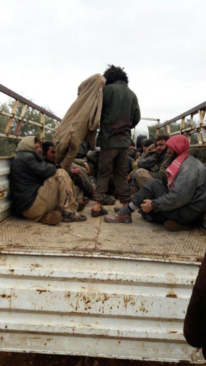 İdlib'deki DAEŞ'lılar teslim oldu 2.resim