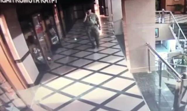 Kahraman Astsubay Halisdemir'in vur emrini aldığı an kamerada