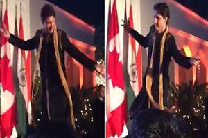 Trudeau, Hindistan'daki dansıyla eleştirilerin hedefi oldu