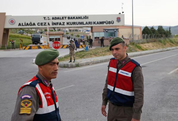 ABD'li papaz Brunson İzmir'de yargılanıyor! AP bu fotoğrafları geçti 1.resim