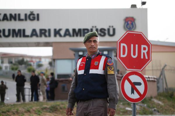 ABD'li papaz Brunson İzmir'de yargılanıyor! AP bu fotoğrafları geçti 4.resim