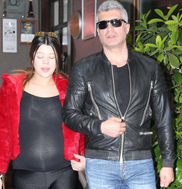Özcan Deniz'in eşi Feyza Aktan'dan kıyafet açıklaması 4.resim