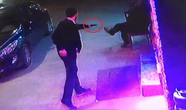 Husumetlisini vurma anı kameralara yansıdı