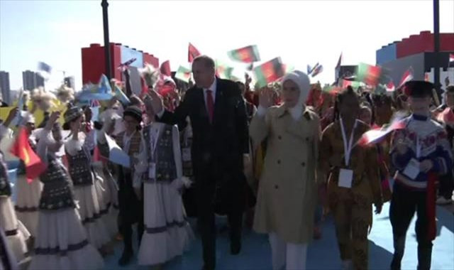 Cumhurbaşkanı Erdoğan, 'Dünya Çocukları'nı kabul ediyor