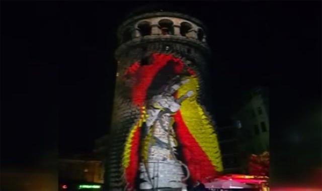 Galata Kulesi'ne yansıtılan video mapping