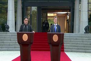 Tarihi anlar yaşanıyor! Kuzey ve Güney Kore barışı ilan etti