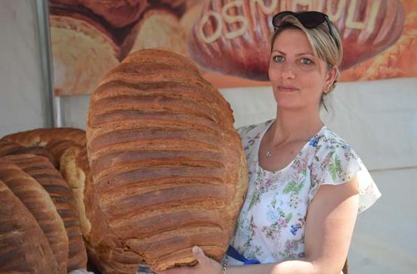 Bu ekmeğin tanesi 80 TL! Görenleri şaşırtıyor 1.resim