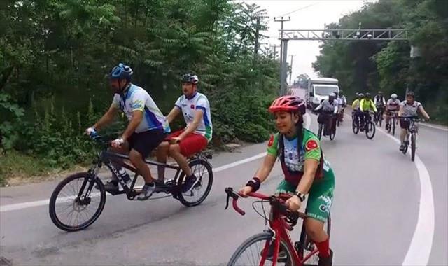 Görmeden Uludağ'a pedalladılar